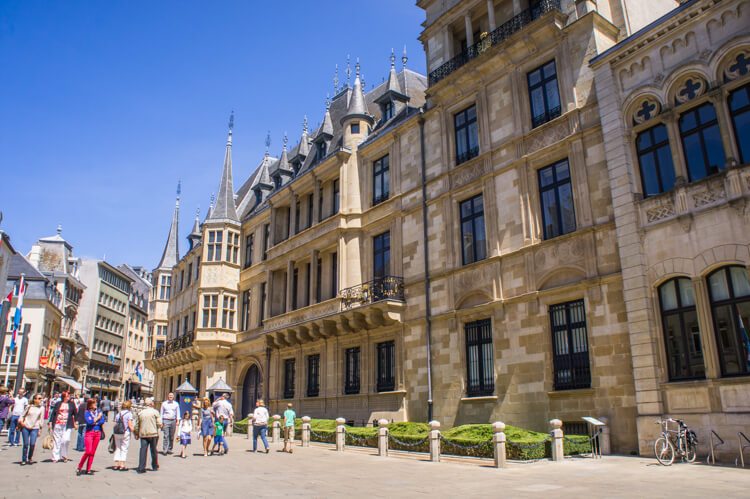 What to do in Luxembourg for a Weekend? See the Highlights with these Tips! || The Travel Tester