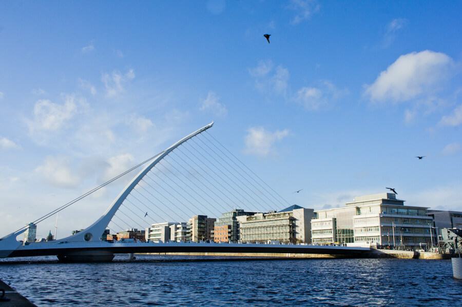 Art in Dublin, Ireland: Discover Unique Street Art, Statues and... Doors!    City Guide by The Travel Tester    #CityGuide #Ireland #Dublin #VisitIreland #VisitDublin #24HGuide #Architecture #Bridge
