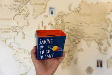 How to Find Unique Souvenirs You Won't Get Bored With    The Travel Tester