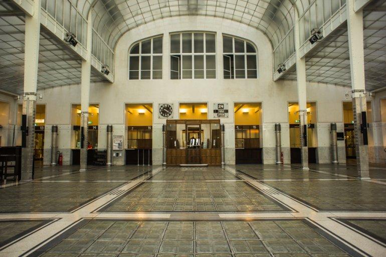 Wagner museum postsparkasse wenen oostenrijk brochure rek for Architecture 770