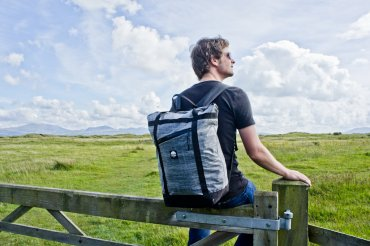 Flowfold Denizen Limited Tote Backpack Review: Minimalist Bag for Everyday Adventures || The Travel Tester