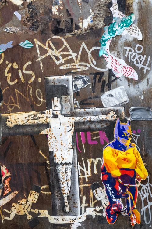 Streetart - Batman on bike