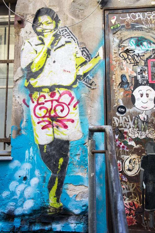 Street Art Berlin - Boy next to Door