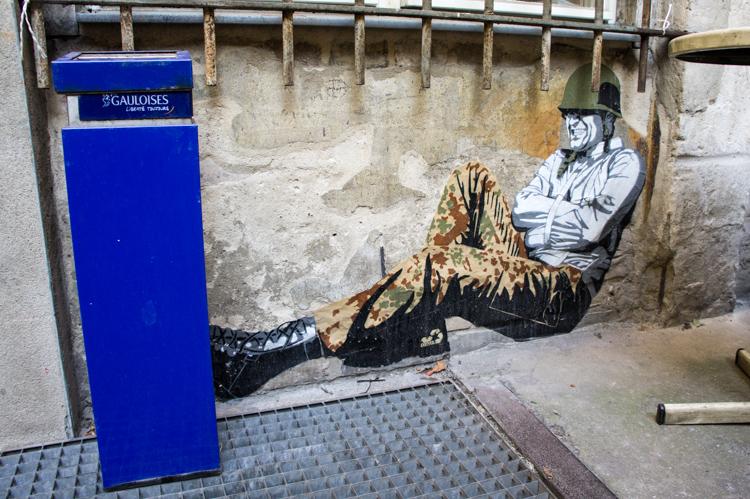 Street Art Berlin - Army Man
