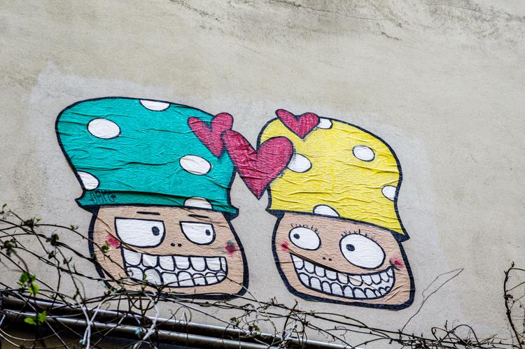 Urban art - Mushrooms in Love